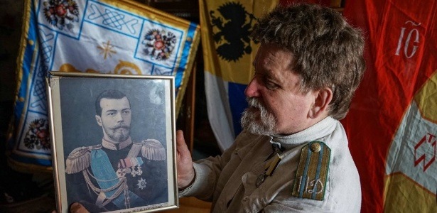 Mikhail Ustinov, autoproclamado porta-voz dos círculos monarquistas de Moscou - Naira Davlashyan/AFP