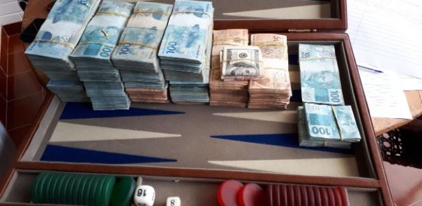 Lava Jato apreende R$ 400 mil, além de dólar, euro e pesos argentinos em endereço ligado a Penn - Divulgação