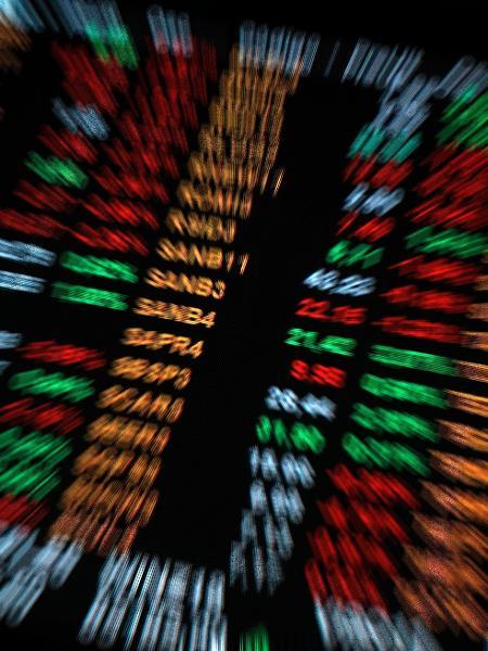 Principal índice da Bolsa tem primeira alta mensal no ano, mas variação em 2021 ainda é negativa - Cris Fraga/Estadão Conteúdo