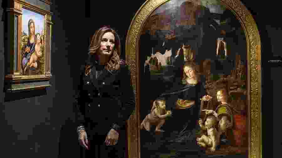 Lucia Borgonzoni, subsecretária de cultura da Itália, entre reproduções no Museu Leonardo da Vinci Experience, em Roma - Nadia Shira Cohen/The New York Times