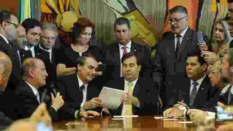 Rodrigo Maia (DEM-RJ) recebe o presidente Jair Bolsonaro (PSL) para receber o projeto da reforma da previdência - Luis Macedo/Câmara dos Deputados