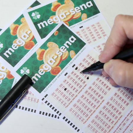 Aposta na Mega-Sena; volante; loteria - GUILHERME DIONíZIO/ESTADÃO CONTEÚDO