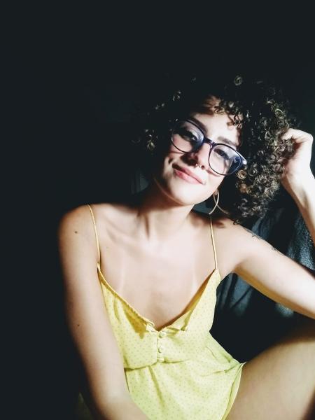 Juliana Matos, que vive com dois parceiros em família poliamorosa - Arquivo Pessoal