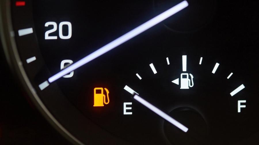 Desde sexta-feira, os motoristas causam enormes engarrafamentos nos postos de gasolina - iStock