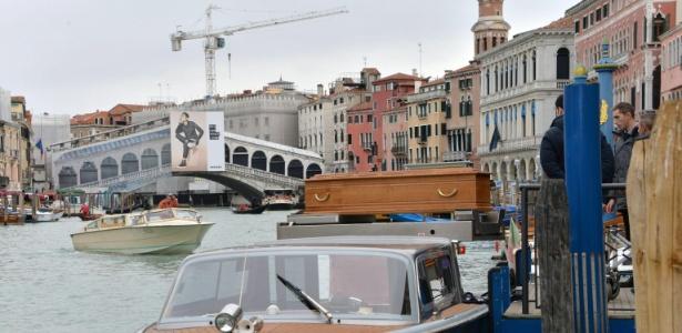 Moradores de Veneza fazem homenagem a italiana morta em Paris - Andrea Merola/EFE