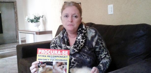 Izilda Biel é umas vítimas de roubo de cão. Seu Whiskey, da raça spitz, foi levado em junho do ano passado de suas mãos, no Tatuapé, em São Paulo