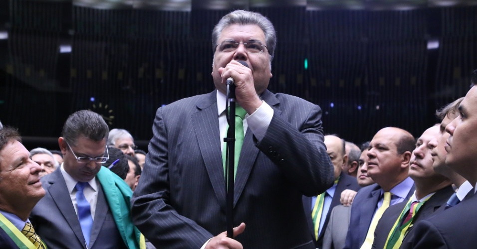 17.abr.2016 - O deputado Sarney Filho (PV-MA), filho de José Sarney, votou favoravelmente ao pedido de impeachment, como indicado pelo seu partido