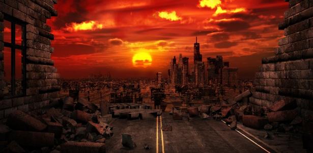 Pra se garantir no apocalipse, um grupo de prevenidos resolveu assaltar um mercado
