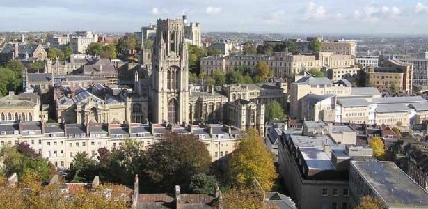Prédios utilizados pela Universidade de Bristol, na Inglaterra - Wikimedia Commons