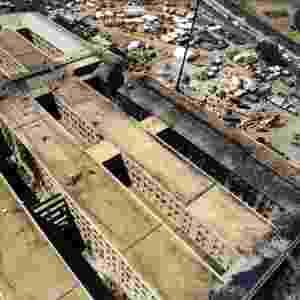 Vista aérea do prédio do Pentágono mostra a destruição no edifício e o ponto que o avião da America Airlines, usado no atentado realizado pela Al-Qaeda, atingiu o edifício - Pentágono
