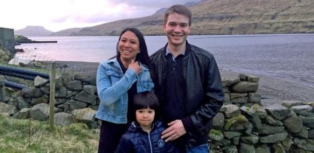 Athaya Slaetalid com o marido Jan e seu filho Jacob