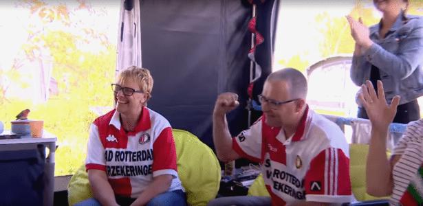 Sandra Baeyens e Ken Langeraert acompanham o jogo do título do Feyenoord