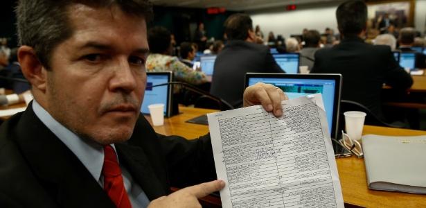 12.jul.2017 - O deputado Delegado Waldir (PR-GO), que foi substituído da CCJ da Câmara pelo partido para a votação da denúncia contra o Temer