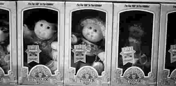 Bonecas Repolinho  em prateleira de loja - CHESTER HIGGINS/NYT - CHESTER HIGGINS/NYT