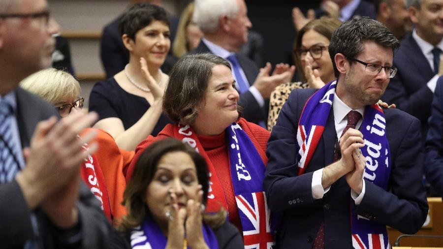 29.jan.2020 - Membros do Aliança Progressiva de Socialistas e Democratas reagem à aprovação do Brexit no Parlamento Europeu - Yves Herman/AFP