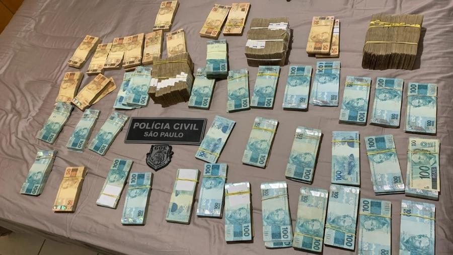 Polícia Civil apreendeu mais de R$ 500 mil na casa de suspeito de integrar quadrilha  - Divulgação/Polícia Civil