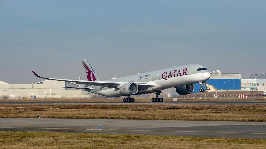 Avião da Qatar Airways é primeiro a fazer voo para vacinados contra covid-19, de acordo com a empresa - Qatar Airways/Reprodução