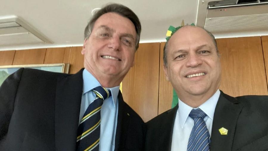 Bolsonaro ao lado de Ricardo Barros; segundo presidente, falta materialidade em acusações contra deputado - Reprodução