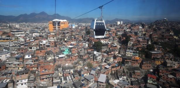 O teleférico do Complexo do Alemão possui seis estações entre a comunidade da Fazendinha, em Inhaúma, e o bairro de Bonsucesso, na zona norte do Rio - Júlio César Guimarães/UOL