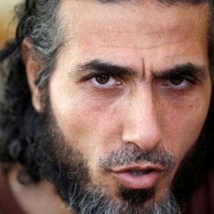 O ex-preso de Guantánamo Jihad Ahmad Diyab dá entrevista em Buenos Aires, na Argentina