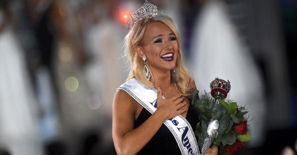 11.set.2016 - Savvy Shields, candidata de Arkansas, é coroada Miss América 2017, na 96ª edição do concurso de beleza, que aconteceu em Atlantic City, New Jersey