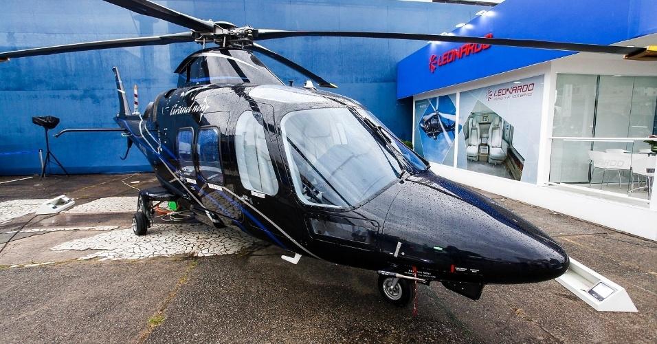 O helicóptero AW109, da Leonardo, atinge até 311 km/h e tem autonomia para até 859 km de distância