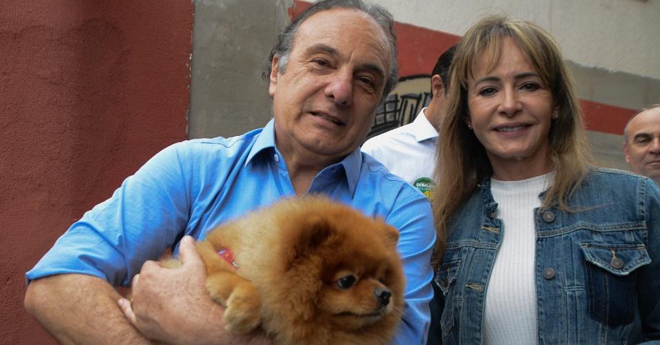 Militante da causa animal, o deputado e candidato ao Senado, Ricardo Tripoli (PSDB) votou no Colégio da Américas, na Água Branca, em São Paulo