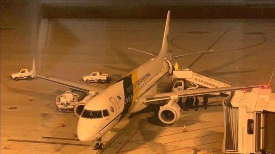 8.fev.2020 - Avião que resgatou brasileiros que estavam na China faz escala técnica na viagem de volta ao país - Divulgação FAB