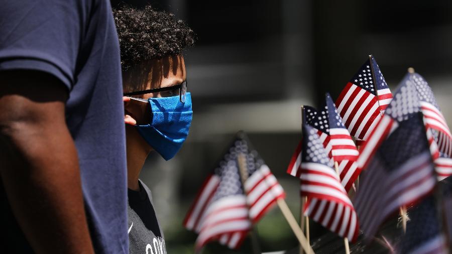 CDC não revisou sua orientação sobre o uso de máscaras, mesmo com a mais infecciosa variante delta do coronavírus nos EUA - Spencer Platt/Getty Images/AFP
