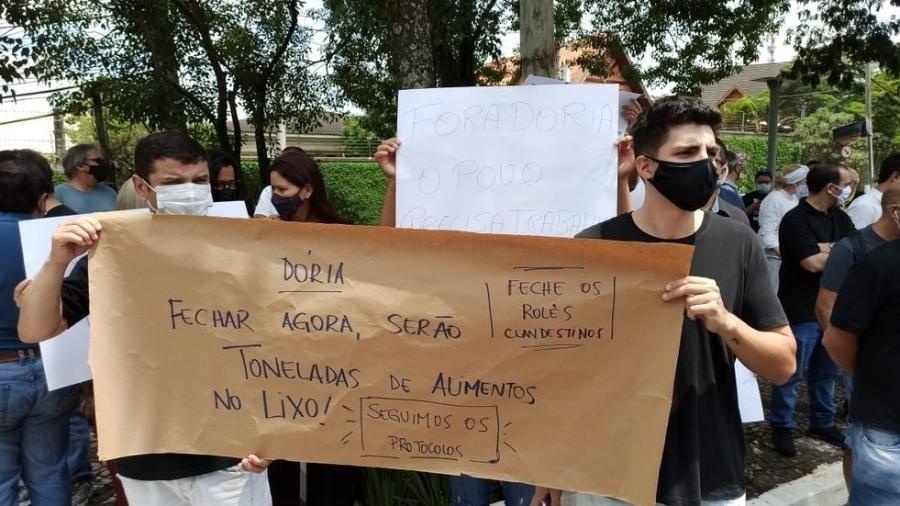 Protesto aconteceu hoje após o anúncio de novas restrições em São Paulo para contenção da covid-19 - Reprodução / Thiago Guerreiro / TV Globo