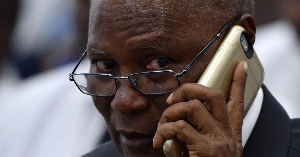 14.fev.2016 - O presidente do Senado do Haiti, Jocelerme Privert, foi eleito neste domingo, pela Assembleia Nacional, para presidir o país interinamente. Ele fica no cargo até 14 de maio. O posto de presidente da República estava vago havia uma semana