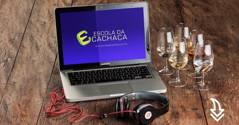 Leandro Dias (à esq.) e João Almeida, jornalista e sommelier de cachaças, são sócios na Escola da Cachaça