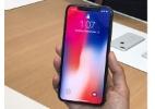 Gigante e confortável, iPhone X quer reinventar interação com smartphone (Foto: Guilherme Tagiaroli/UOL)