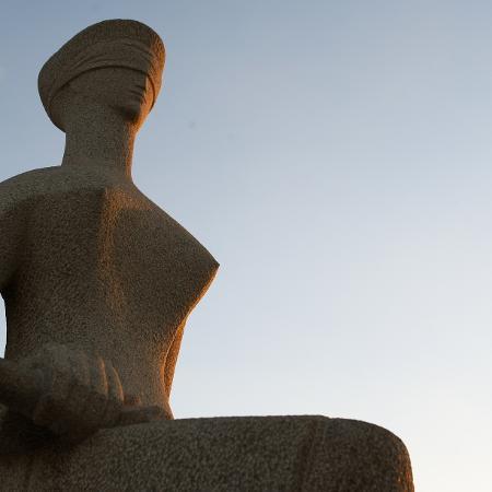 Estátua da Justiça em frente ao STF - Sergio Lima/Folhapress