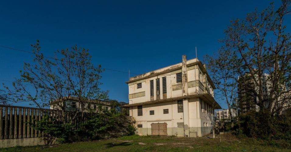 Prédio à direita da cabeceira da ponte no lado brasileiro, usado pela Guardamoria