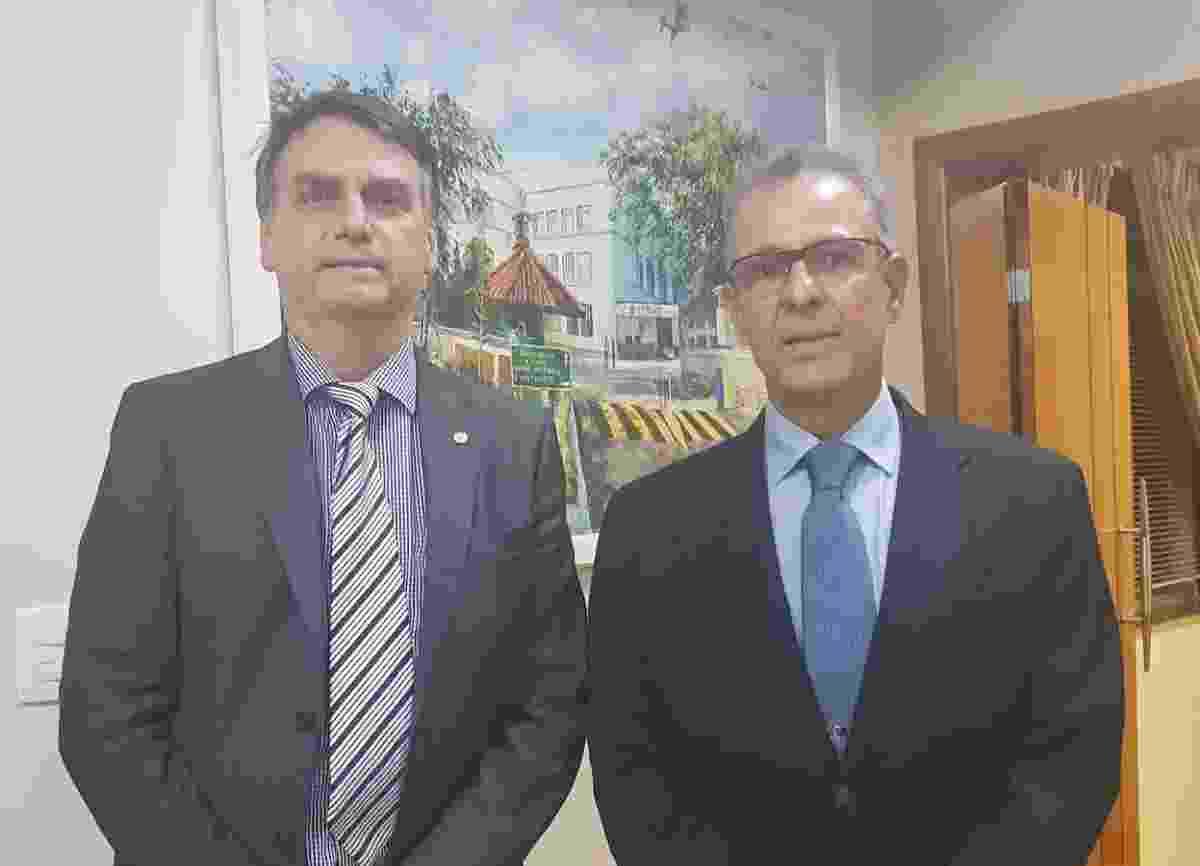 Diretor Geral de Desenvolvimento Nuclear e Tecnológico da Marinha, almirante de esquadra Bento Costa Lima Leite de Albuquerque Junior, é indicado para o cargo de ministro de Minas e Energia do governo de Jair Bolsonaro (PSL) - Reprodução/Twitter/@jairbolsonaro