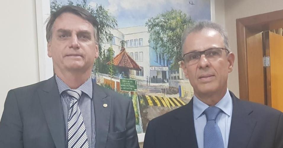 Diretor Geral de Desenvolvimento Nuclear e Tecnológico da Marinha, almirante de esquadra Bento Costa Lima Leite de Albuquerque Junior, é indicado para o cargo de ministro de Minas e Energia do governo de Jair Bolsonaro (PSL)