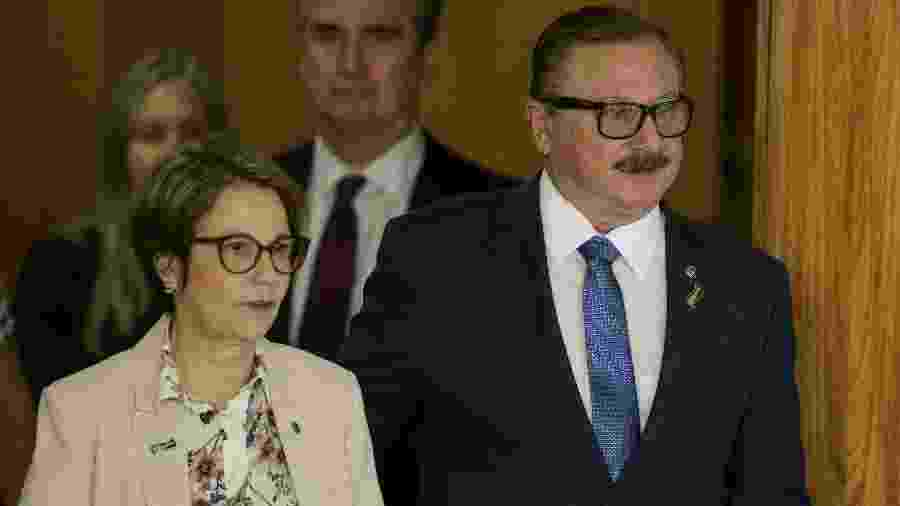A ministra da Agricultura Tereza Cristina e o secretário de Assuntos Fundiários, Luiz Antônio Nabhan Garcia - Pedro Ladeira/Folhapress