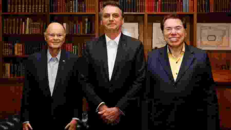 Bolsonaro ao lado de Edir Macedo e Silvio Santos - Reprodução/Facebook