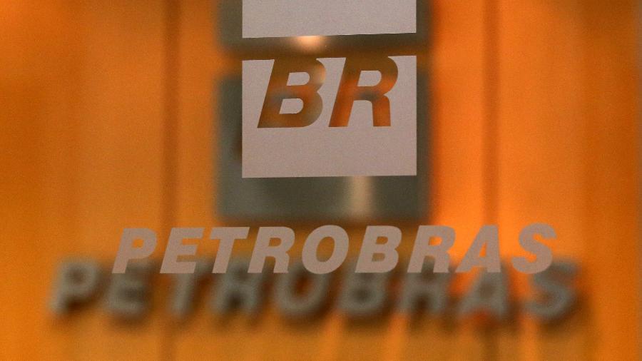 Petrobras havia despencado mais de 20% e Banco do Brasil havia desabado 11,65% -