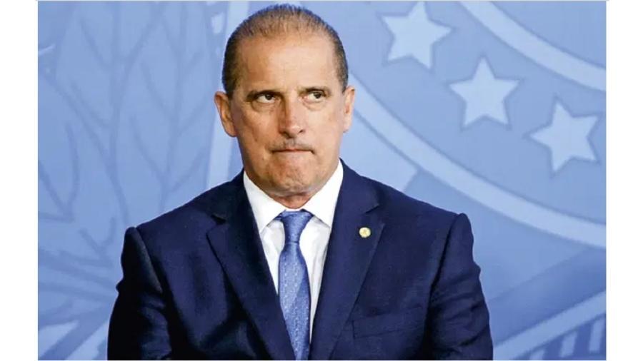 Onyx Lorenzoni, secretário-geral da Presidência: em transe psicótico, ele resolveu fazer de conta que não existem leis no país; só a vontade do seu chefe contaria - Evaristo Sá/AFP