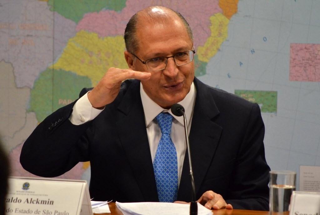 8.jul.2015 - O governador de São Paulo, Geraldo Alckmin (PSDB), declarou que a previsão para o Estado é de um período de seca menos rigoroso, durante audiência da Comissão de Serviços de Infraestrutura do Senado sobre os desafios da crise hídrica.