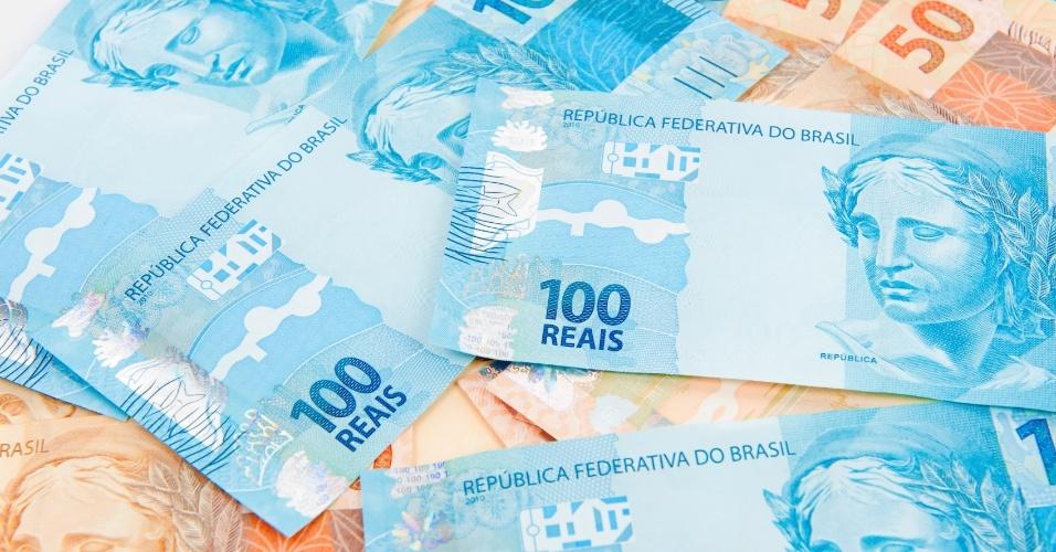 Notas de 100 e 50 reais, dinheiro, grana, riqueza