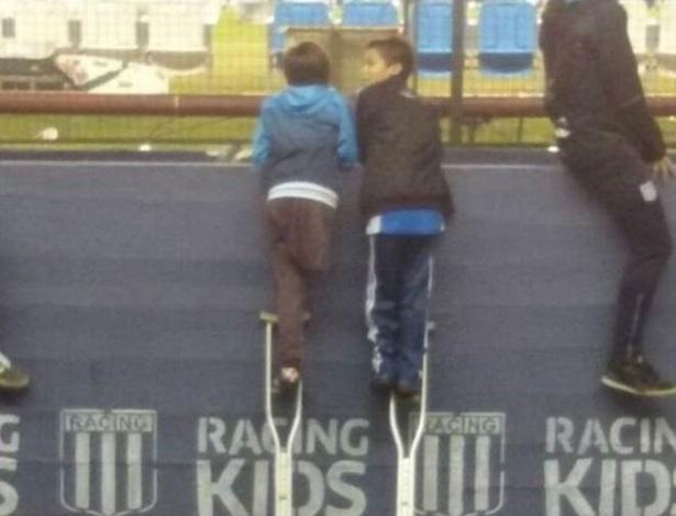 Imagem se converteu em símbolo da amizade entre os dois meninos