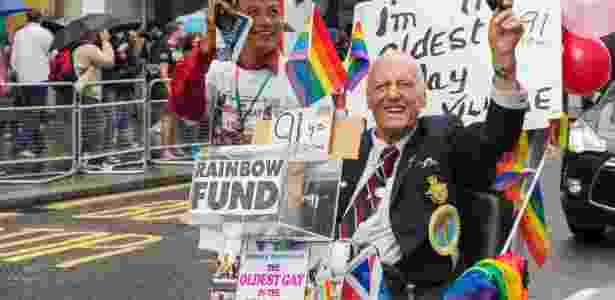George Montague (dir.) participa da Parada Gay de Londres em junho de 2014 - David Henderson/ iStock