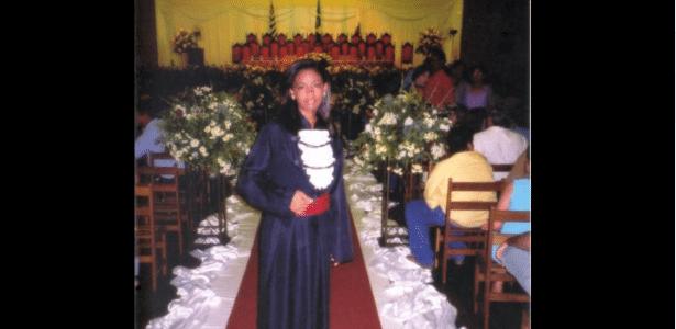 Adriana Maria Queiróz veio de família humilde e trabalhou como faxineira para pagar faculdade