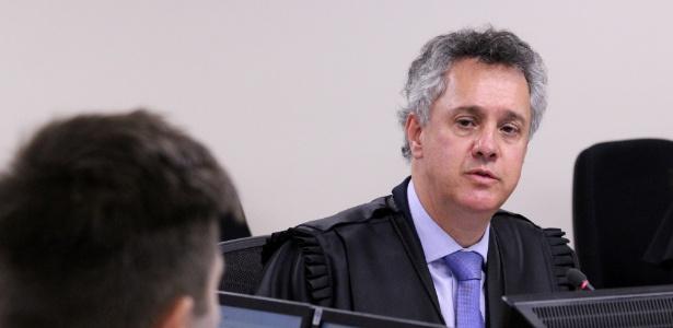 24.jan.2018 - Desembargador João Pedro Gebran Neto durante julgamento de recursos da Lava Jato na 8ª Turma do TRF-4
