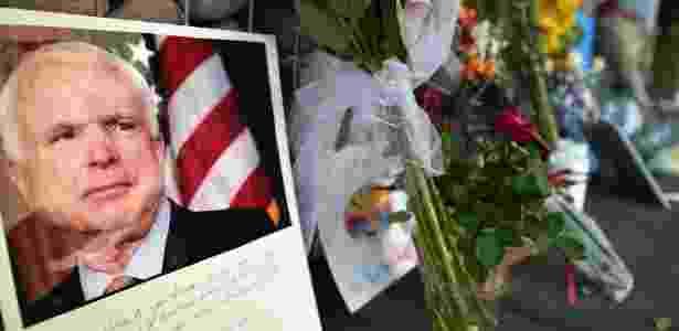 O senador John McCain morreu no sábado (25), aos 81 anos, devido a um câncer no cérebro - Robyn Beck / AFP