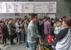 Crise da saúde na China gera filas em hospitais e violência contra médicos (Foto: Gilles Sabrié/The New York Times)