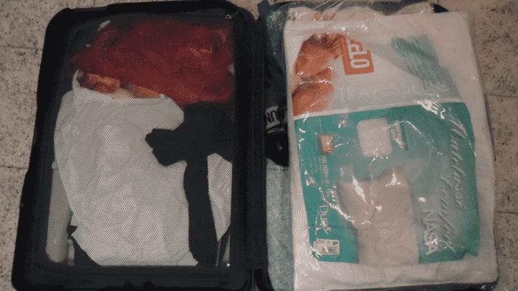 A droga estava escondida em sacos pláticos dentro de capas de travesseiros - Divulgação/Polícia Federal - Divulgação/Polícia Federal